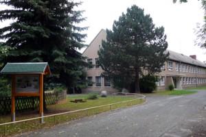 Die Regelschule Nöbdenitz liegt im Grünen