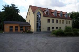 """Mitten im Grünen: Die Kindertagesstätte """"Nemzer Rasselbande"""" Nöbdenitz"""